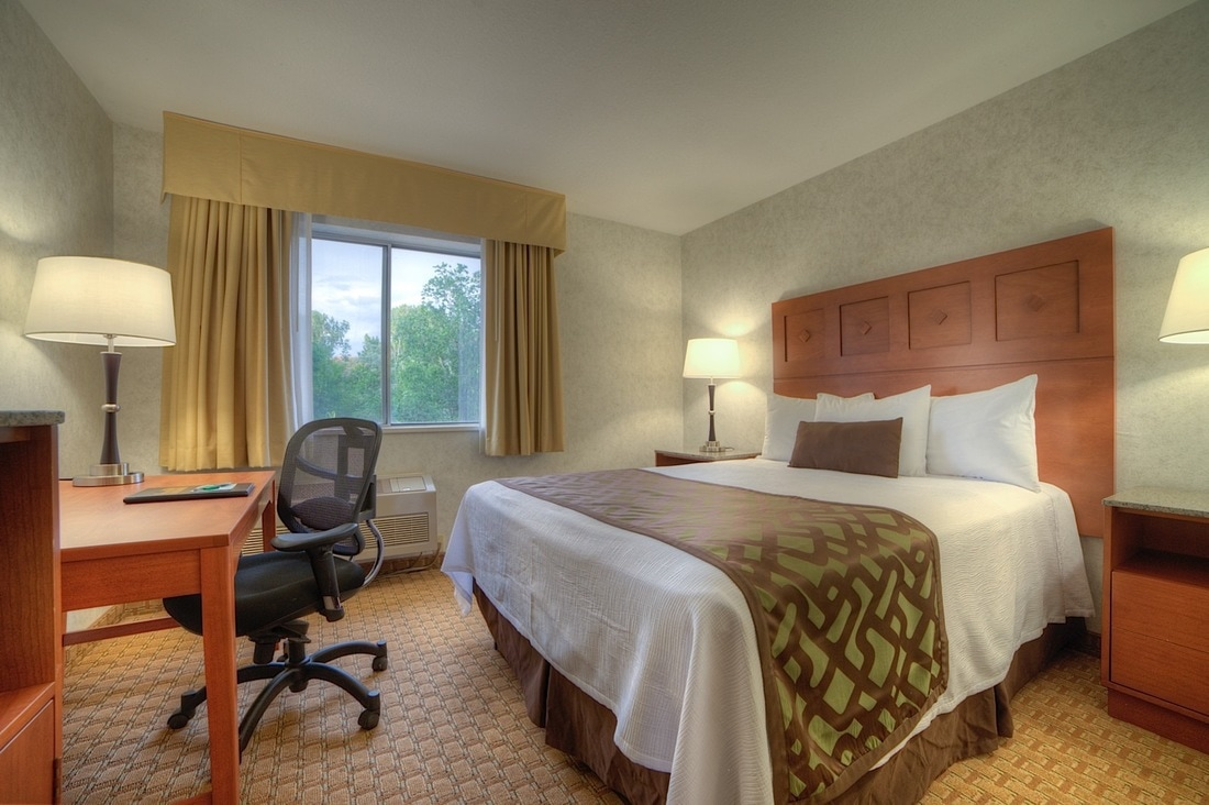 Handicapped-Accessible Queen Room at Moab Valley Inn